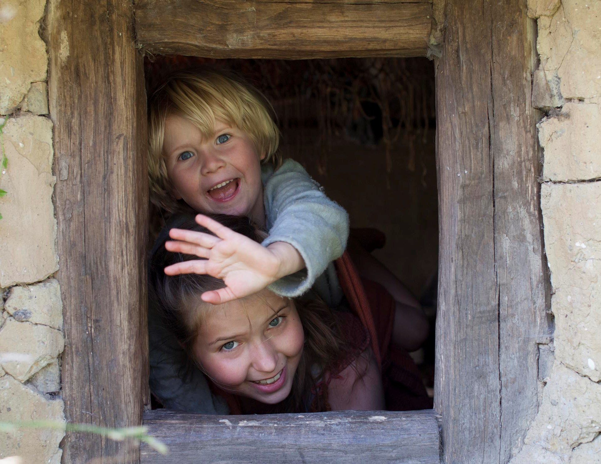 Bliv fortidsfamilie Børn i jernalderhus